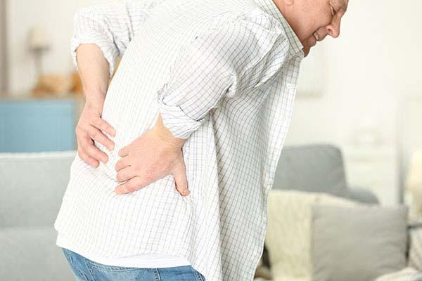 כאבי גב חזקים